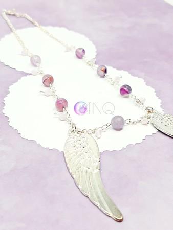 Naszyjnik z dużymi skrzydłami i koralikami (1)