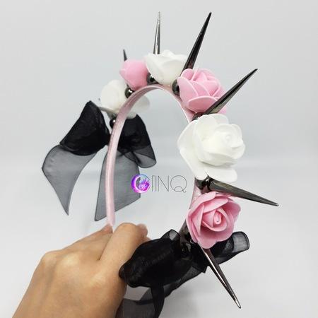 OPASKA MAŁA biało-różowa Z KOLCAMI (3)
